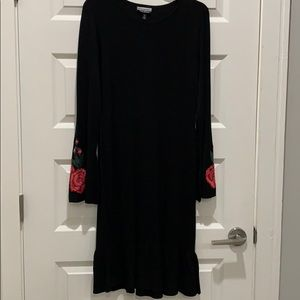 Black sexy dress with bell long sleeves